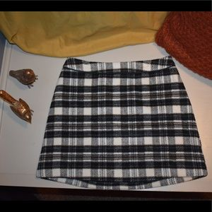 Abercrombie & Fitch Plaid Skirt: Size 6